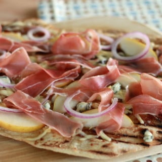 Grilled Prosciutto Fig Pizza