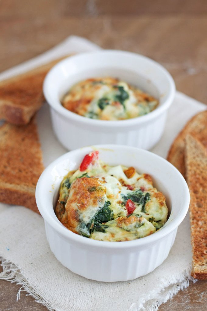 Spinach and Roasted Red Pepper Baked Eggs