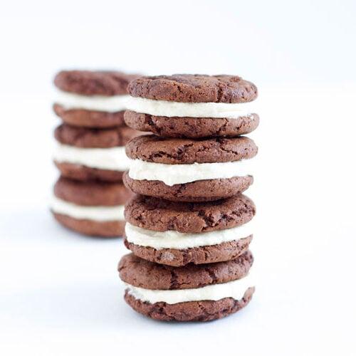 Fudgy Chocolate Kahlua Cookies with Baileys Buttercream | @reciperunner