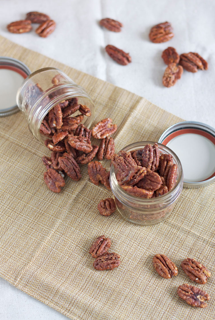 Maple Bourbon Roasted Pecans | @reciperunner