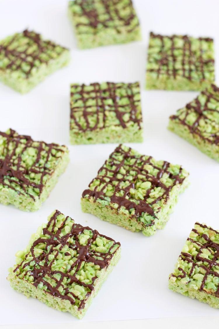 Pistachio Pudding Rice Krispie Treats | @reciperunner