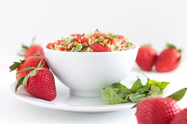 Wheat Berry & Wild Rice Salad with Strawberries & Basil | @reciperunner