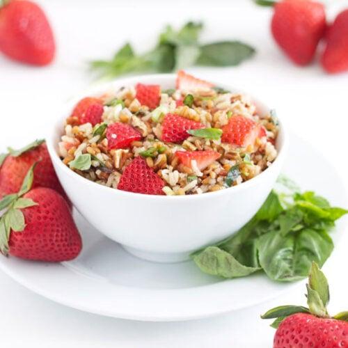 Wheat Berry & Wild Rice Salad with Strawberries & Basil | @reciperunner
