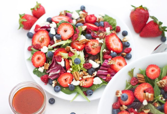 Berries and Feta Salad | www.reciperunner.com