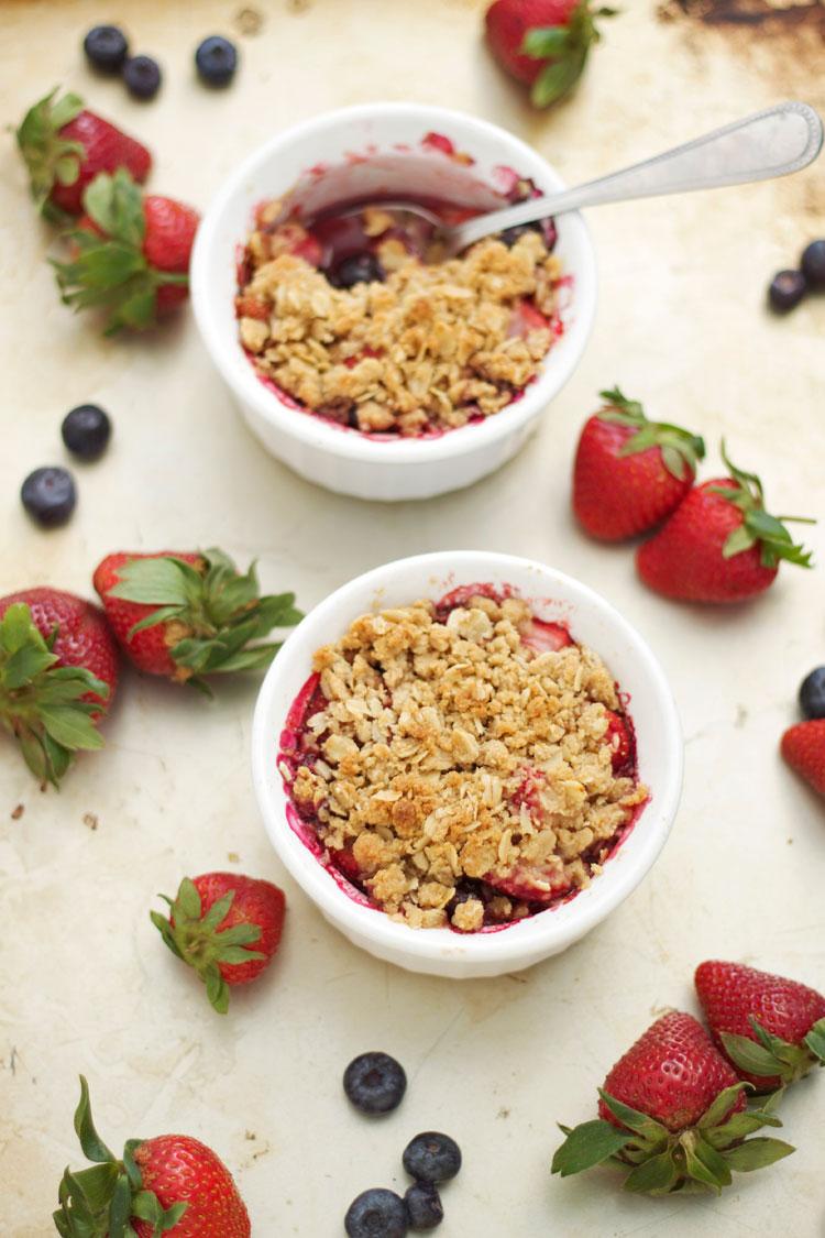 Berry Crisps for Two | www.reciperunner.com