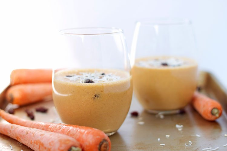 Carrot Cake Smoothie | www.reciperunner.com
