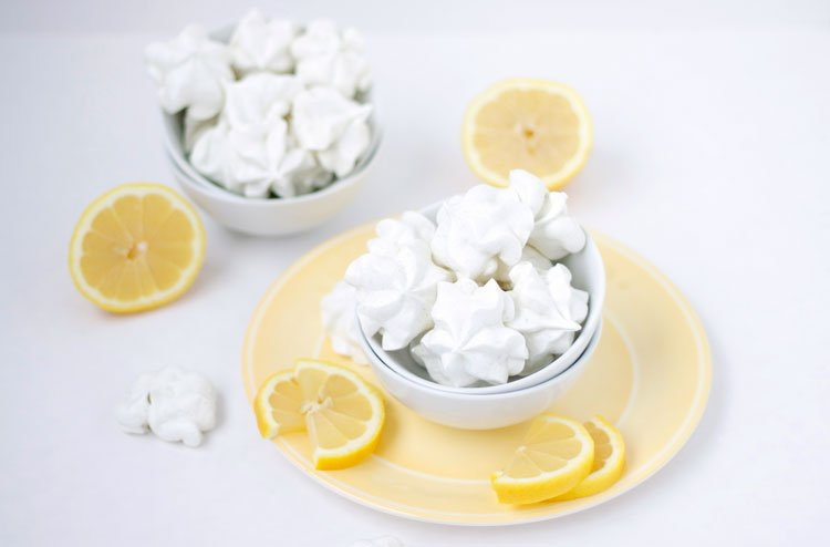 Lemon & Lavender Meringue Cookies | www.reciperunner.com