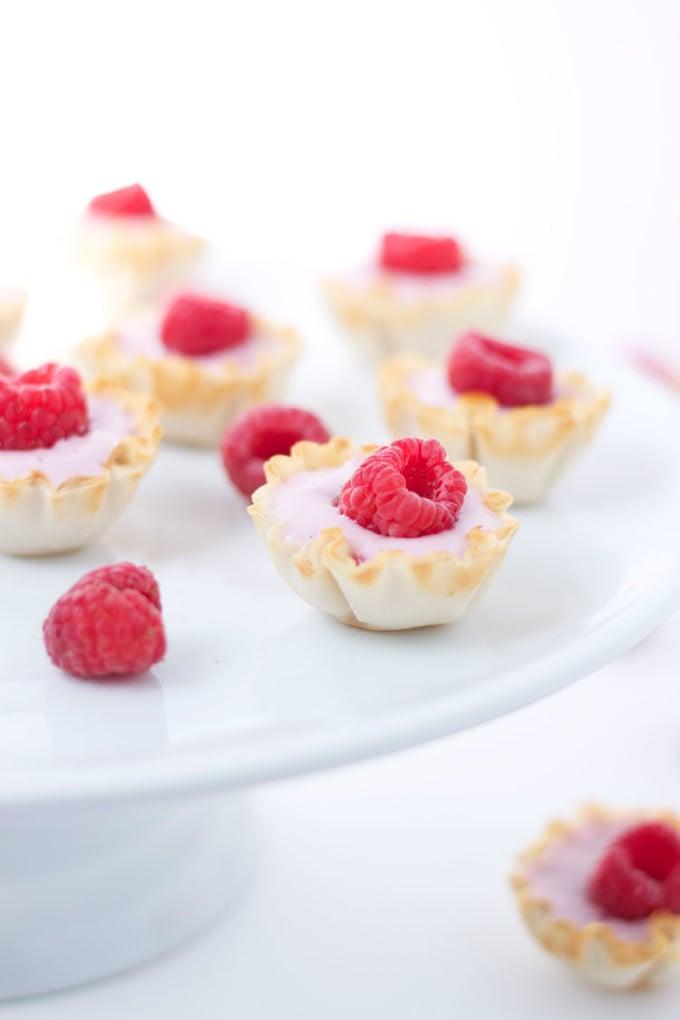 Mini Raspberry Yogurt Phyllo Cups | www.reciperunner.com