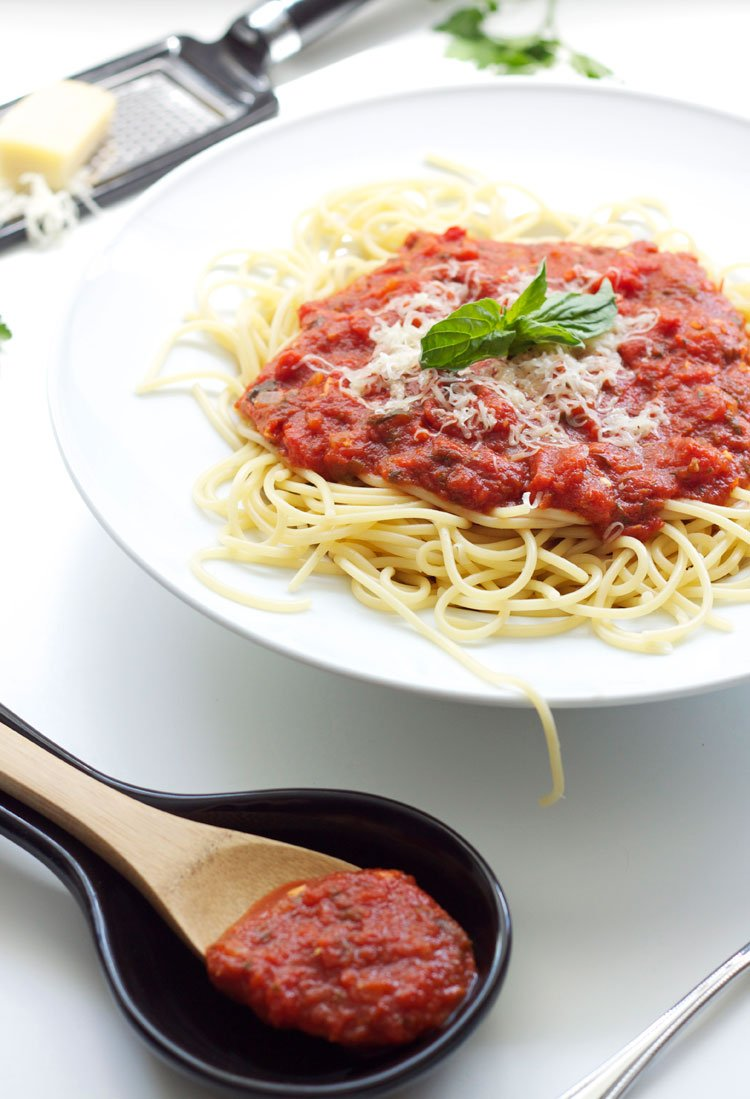 Easy Marinara Sauce | www.reciperunner.com