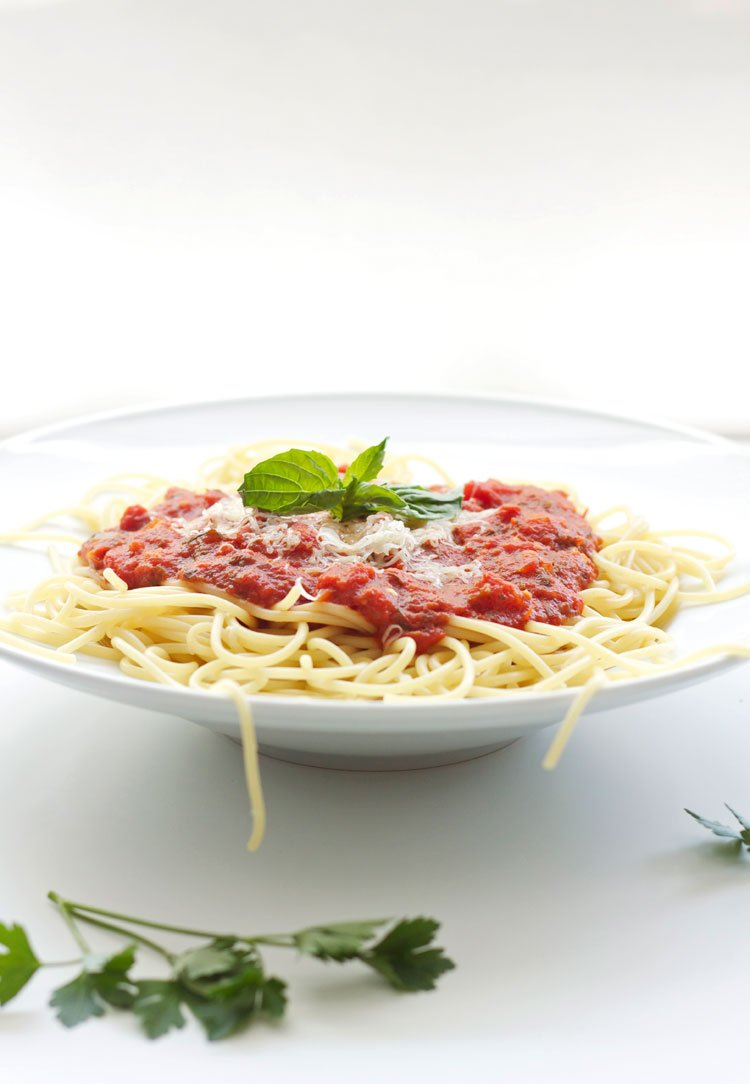 Easy Marinara Sauce | www.reciperunner.com