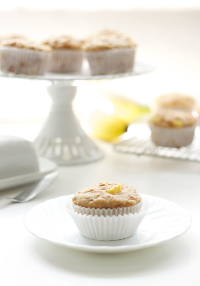 Hummingbird Muffins Stuffed with Cinnamon Cream Cheese