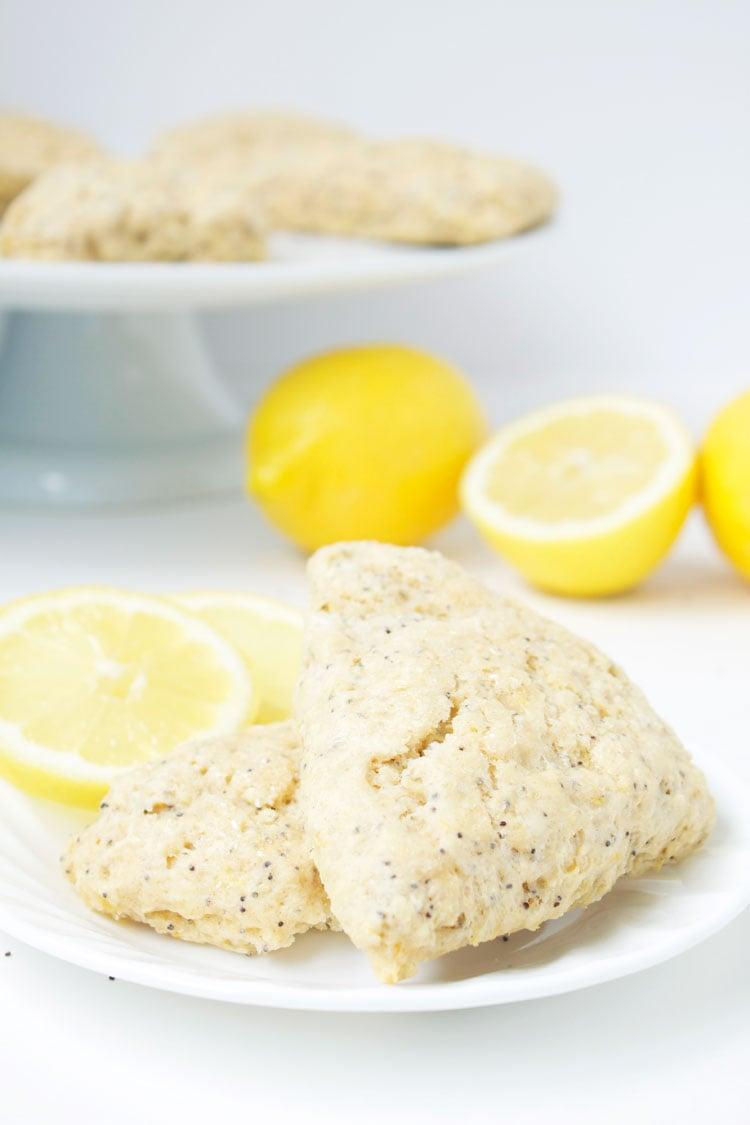 Lemon Poppy Seed Scones   www.reciperunner.com
