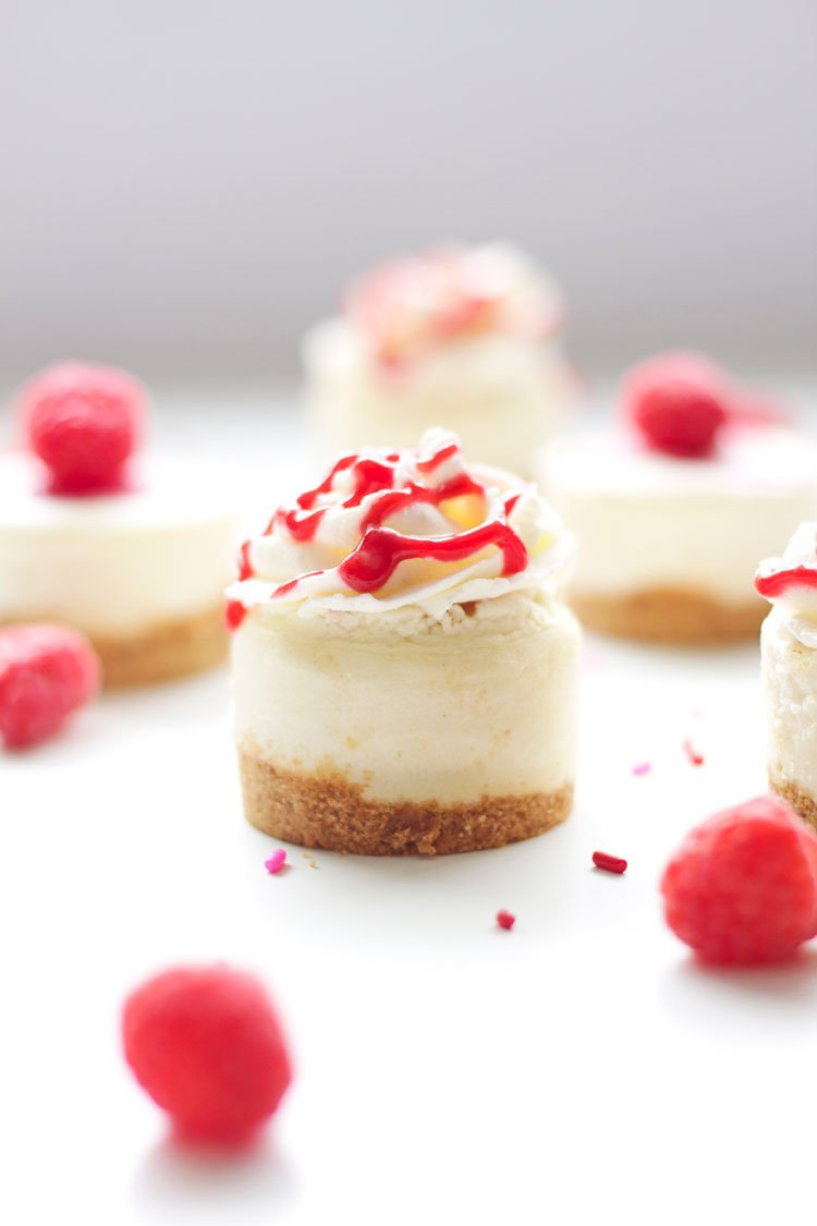 Raspberry Almond Mini Cheesecakes | www.reciperunner.com