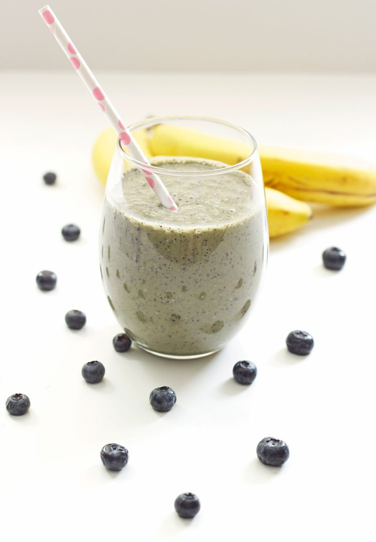 Green Blueberry Smoothie | Recipe Runner | A healthy, sweet, filling smoothie packed with antioxidants. The best way to start your day!