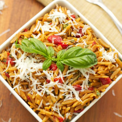 Orzo with Spinach and Roasted Red Peppers | Recipe Runner | This easy to make side dish is delicious, healthy, comfort food at it's best!