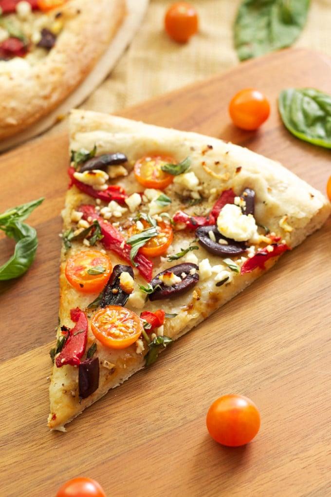 Tomato Basil Feta Pizza | Recipe Runner | A lighter pizza perfect for summer! #pizza #summer