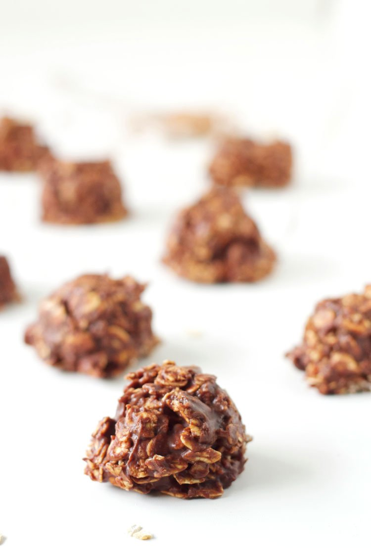 Healthier No Bake Chocolate Cookies | Your favorite no bake cookies made a little healthier!
