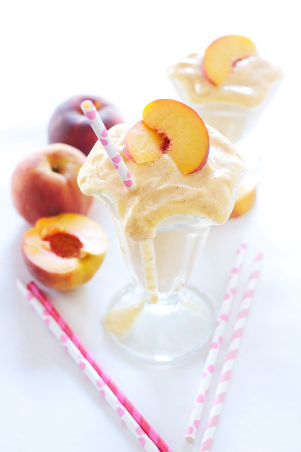 Skinny Peach Milkshake | Recipe Runner | There's no ice cream in this shake, but you'd never know! Thick, creamy, & peachy! #peaches #milkshake #healthy