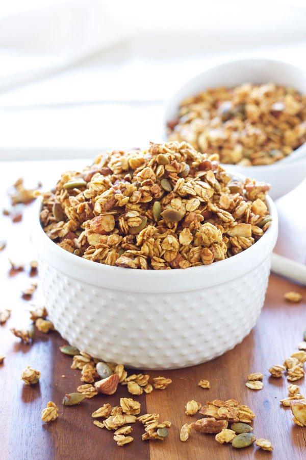Pumpkin Pie Granola | Recipe Runner | My new favorite granola with all the flavors of pumpkin pie!