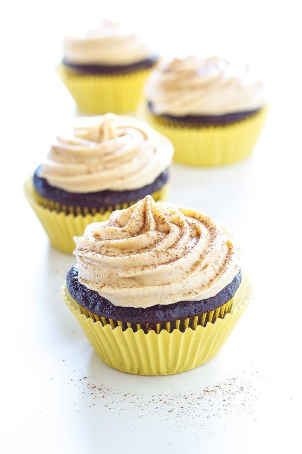 Chocolate Stuffed Cupcakes with Pumpkin Cream Cheese Frosting |Recipe Runner | Perfect chocolate cupcakes stuffed with pumpkin cheesecake and topped with pumpkin cream cheese frosting..AMAZING!