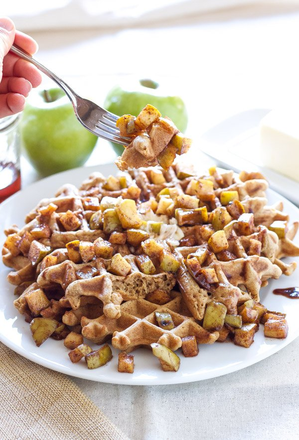 Overnight Belgian Waffles Recipe with Caramelized Cinnamon Apples ...
