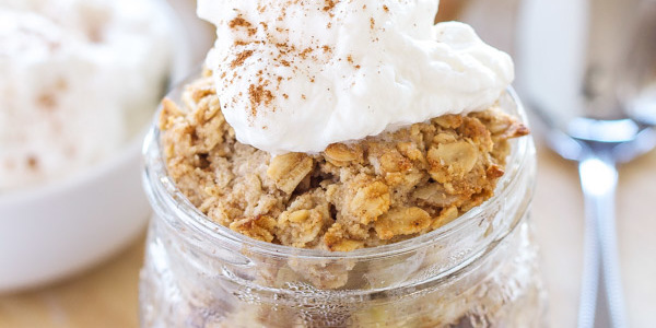 Honey Bourbon Apple Crisps in Jars   Recipe Runner   Honey and bourbon add so much extra flavor to these individual apple crisps!