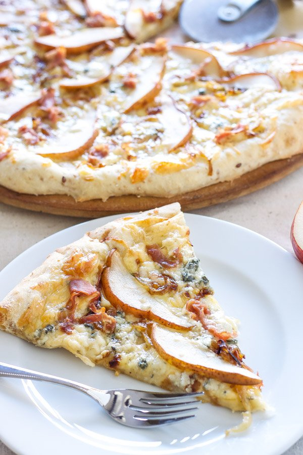 Pear, Prosciutto, and Gorgonzola Pizza | Recipe Runner | Sweet pears, salty prosciutto and gorgonzola are perfect pairings in this grown up pizza!