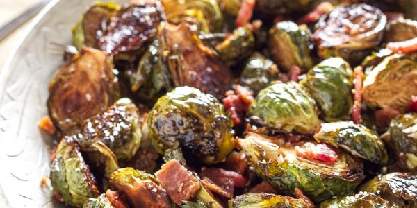 Balsamic Maple Roasted Brussels Sprouts | Recipe Runner | Balsamic, maple, and bacon are the perfect combination of flavors for these roasted Brussels sprouts! #thanksgiving