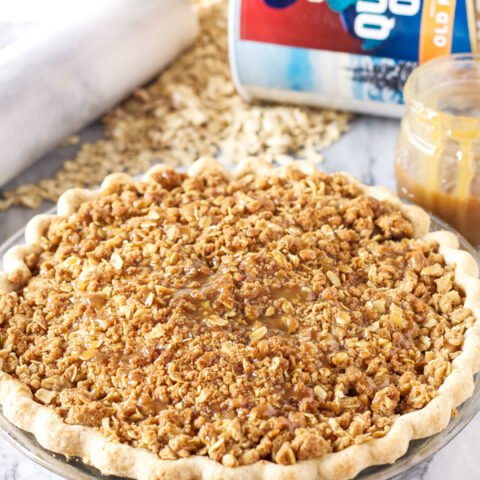 Caramel Apple Crumb Pie | www.reciperunner.com | The perfect holiday pie with the most amazing oat crumb topping! @Target #QuakerUp #MyOatsCreation #spon