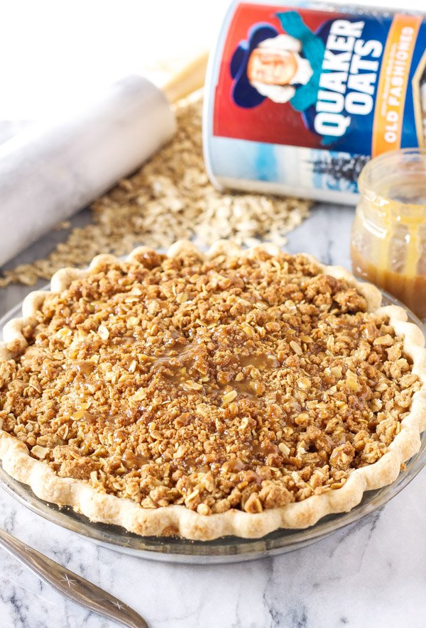 Caramel Apple Crumb Pie   www.reciperunner.com   The perfect holiday pie with the most amazing oat crumb topping! @Target #QuakerUp #MyOatsCreation #spon