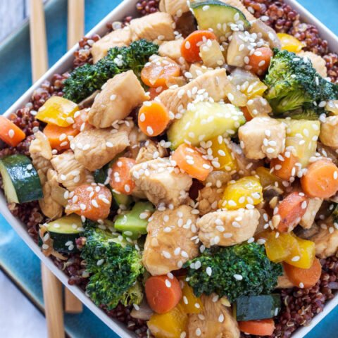 Chicken and Vegetable Stir Fry Quinoa Bowls | These stir fry bowls are one of my favorite, healthy and easy to make dinners! | www.reciperunner.com