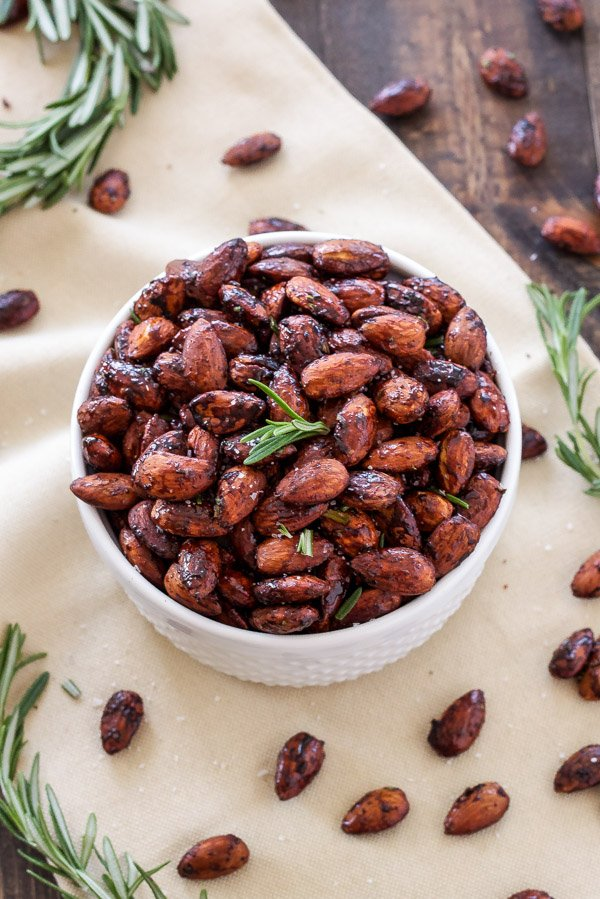 Rosemary and Chili Roasted Almonds | Sweet, salty, slightly spicy roasted almonds that are perfect for snacking! | www.reciperunner.com