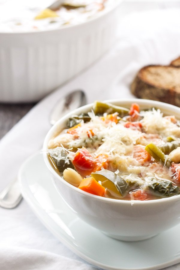 Vegetable Minestrone Soup   Hearty and healthy minestrone soup packed full of vegetable and flavor!   www.reciperunner.com