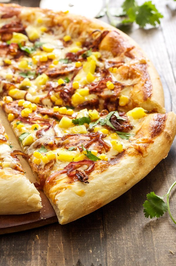 BBQ Chicken Pizza | My favorite pizza loaded with BBQ chicken ...