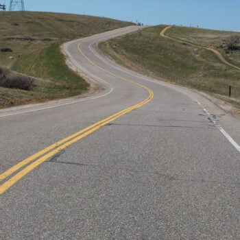 Hill Running Tips | Tips to make hill running easier both physically and mentally. | @reciperunner