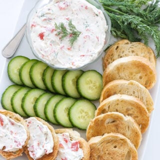 Smoked Salmon Spread | I love this smoked salmon spread! Such an easy and delicious appetizer! | @reciperunner
