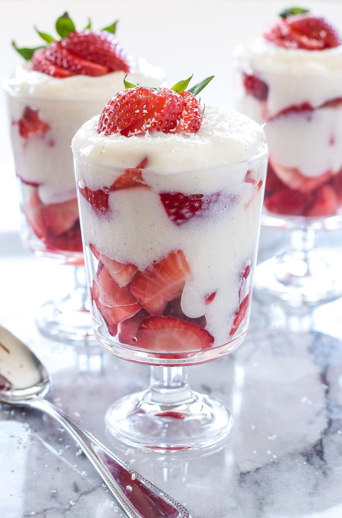 Strawberry and White Chocolate Pudding Parfaits | Layers of strawberries and homemade white chocolate pudding are the perfect springtime dessert! | @reciperunner