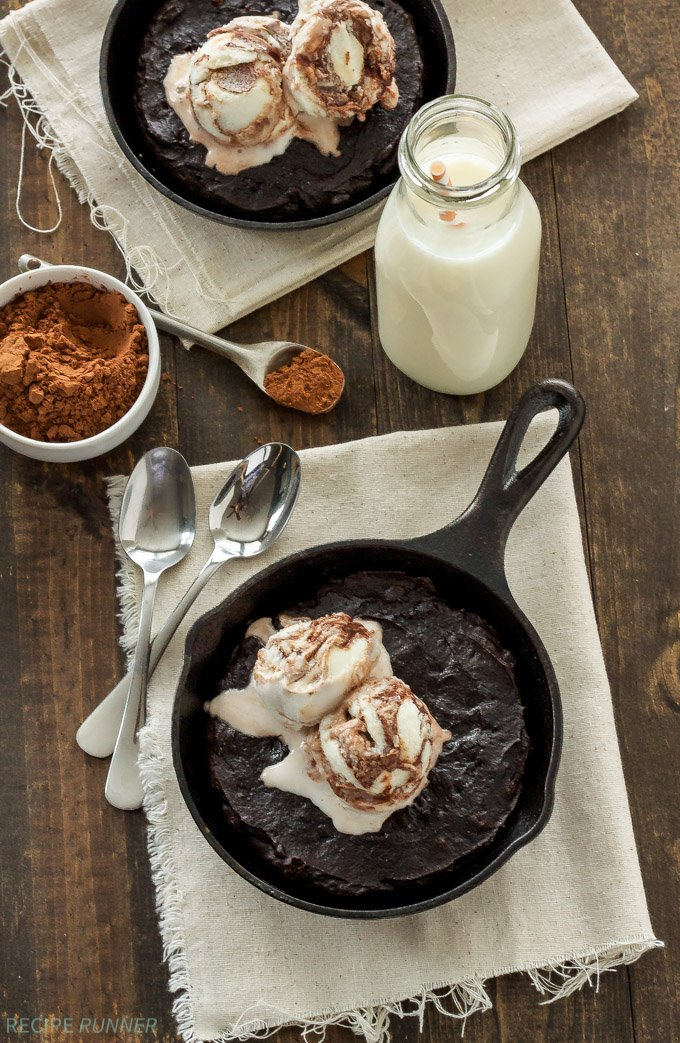 Mexican Skillet Brownies | Lightened up fudgy dark chocolate brownies with a kick!