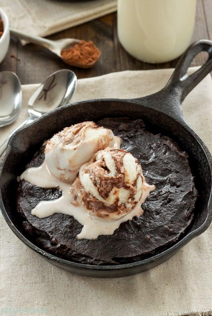 Mexican Skillet Brownies | Lightened up fudgy dark chocolate brownies ...