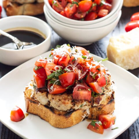 Turkey Bruschetta Burgers   Juicy turkey burgers topped with fresh tomato basil salad and a balsamic drizzle!