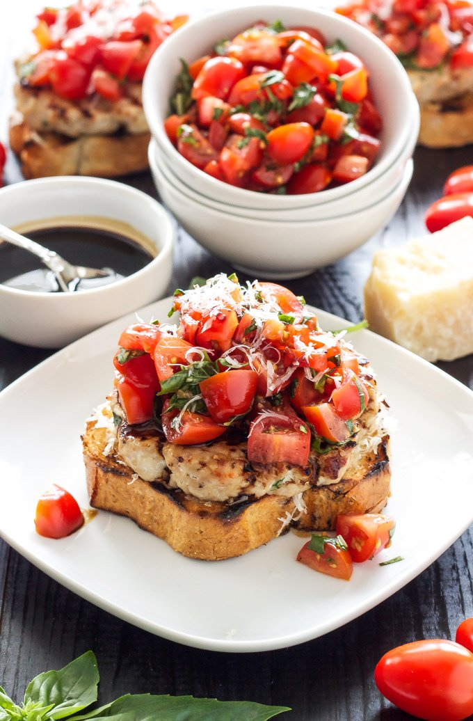 Turkey Bruschetta Burgers | Juicy turkey burgers topped with fresh ...