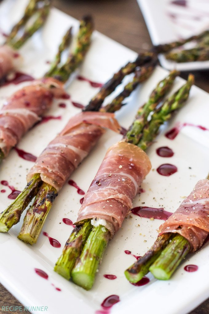 Prosciutto Wrapped Grilled Asparagus with Red Wine Drizzle | Grilled Asparagus wrapped in prosciutto is the perfect summer appetizer!