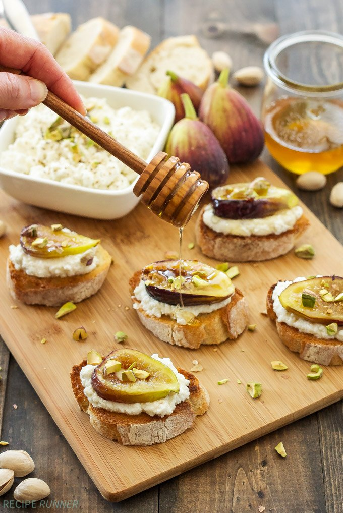 Fig and Ricotta Crostini | Ricotta and fresh figs caramelized in honey ...