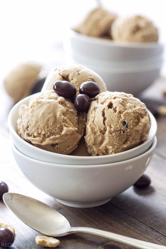 Coffee Cashew Ice Cream   You'll never suspect this Coffee Cashew Ice Cream is dairy-free and vegan! #ad #SilkCashew #VanillaCashew