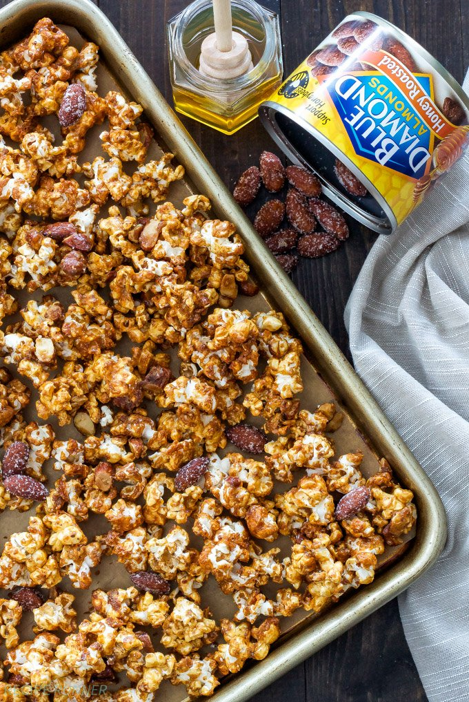 Honey Almond Caramel Corn | Turn caramel corn into a healthier snack thanks to honey, almond butter and crunchy almonds!
