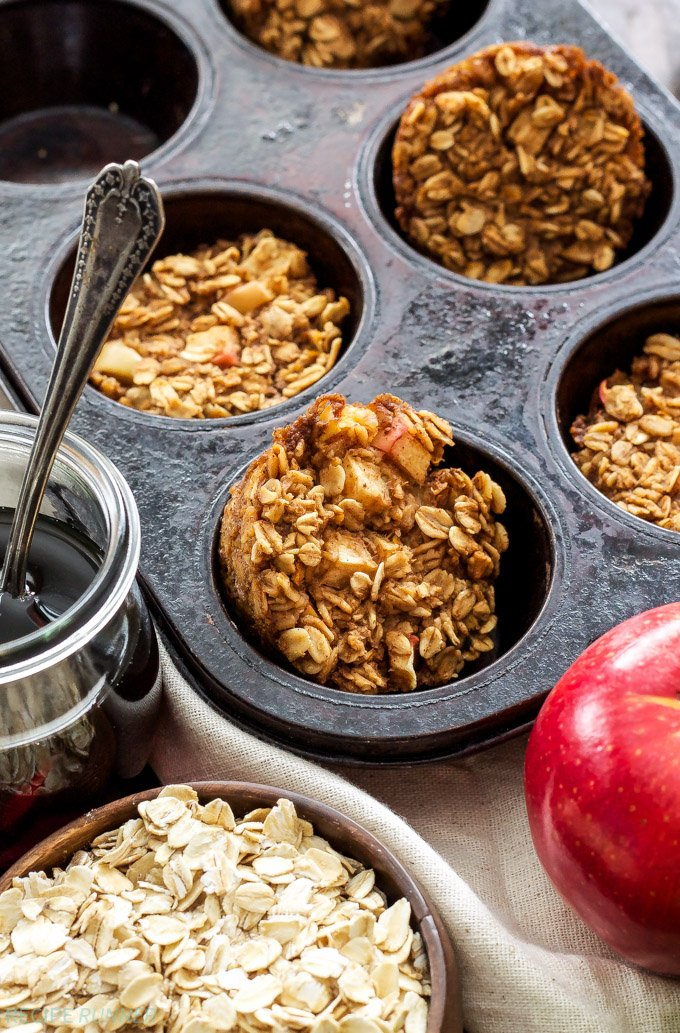 Baked Apple Cinnamon Oatmeal Cups   Both kid & adult friendly, these healthy, gluten-free Baked Apple Cinnamon Oatmeal Cups are a great grab-and-go breakfast or snack!