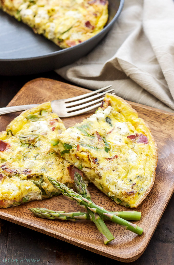 Asparagus Bacon and Herbed Goat Cheese Frittata | This 5-ingredient Asparagus, Bacon and Herbed Goat Cheese Frittata is full of flavor and makes a hearty breakfast, lunch or dinner!