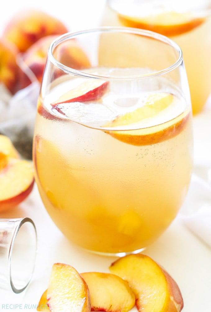 Peach green tea vodka spritzer recipe runner for Tea with vodka recipe