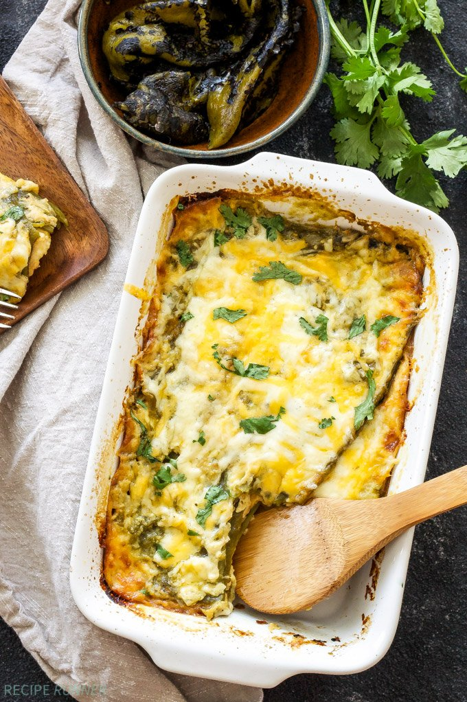 Easy Chile Rellenos Casserole | This quiche-like casserole made up of layers of green chiles and cheese is a meal even the most novice cook can put together!