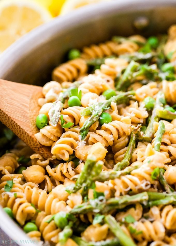 One Pot Creamy Lemon Goat Cheese Pasta With Chickpeas And